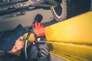 I rischi che corri se le molle degli ammortizzatori della tua auto sono rotte Un guasto troppo spesso trascurato ma fonte di grandi problemi per la tua sicurezza (e quella degli altri)